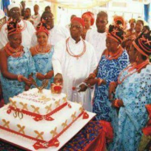 Happy birthday to his royal majesty.Oba of Benin and his  Wives